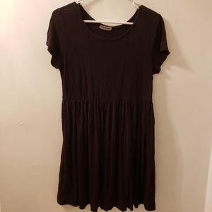 Trendyland Simple Short Sleeve Black Dress